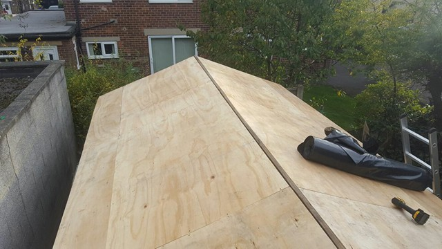 Asbestos Removal Cost Garage Roof >> Asbestos Roof Removal In Leeds Bradford Flat Roof Experts